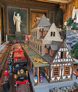 Auch der Hogwarts-Express durfte in Altenburg nicht fehlen, Foto: Maike Steuer