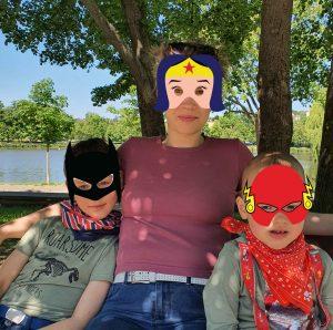 Superhelden Trio am Großen Teich, Foto: Maike Steuer