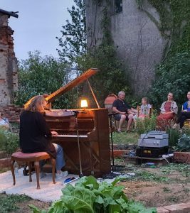Inger Nordvik am Klavier, Foto: Maike Steuer