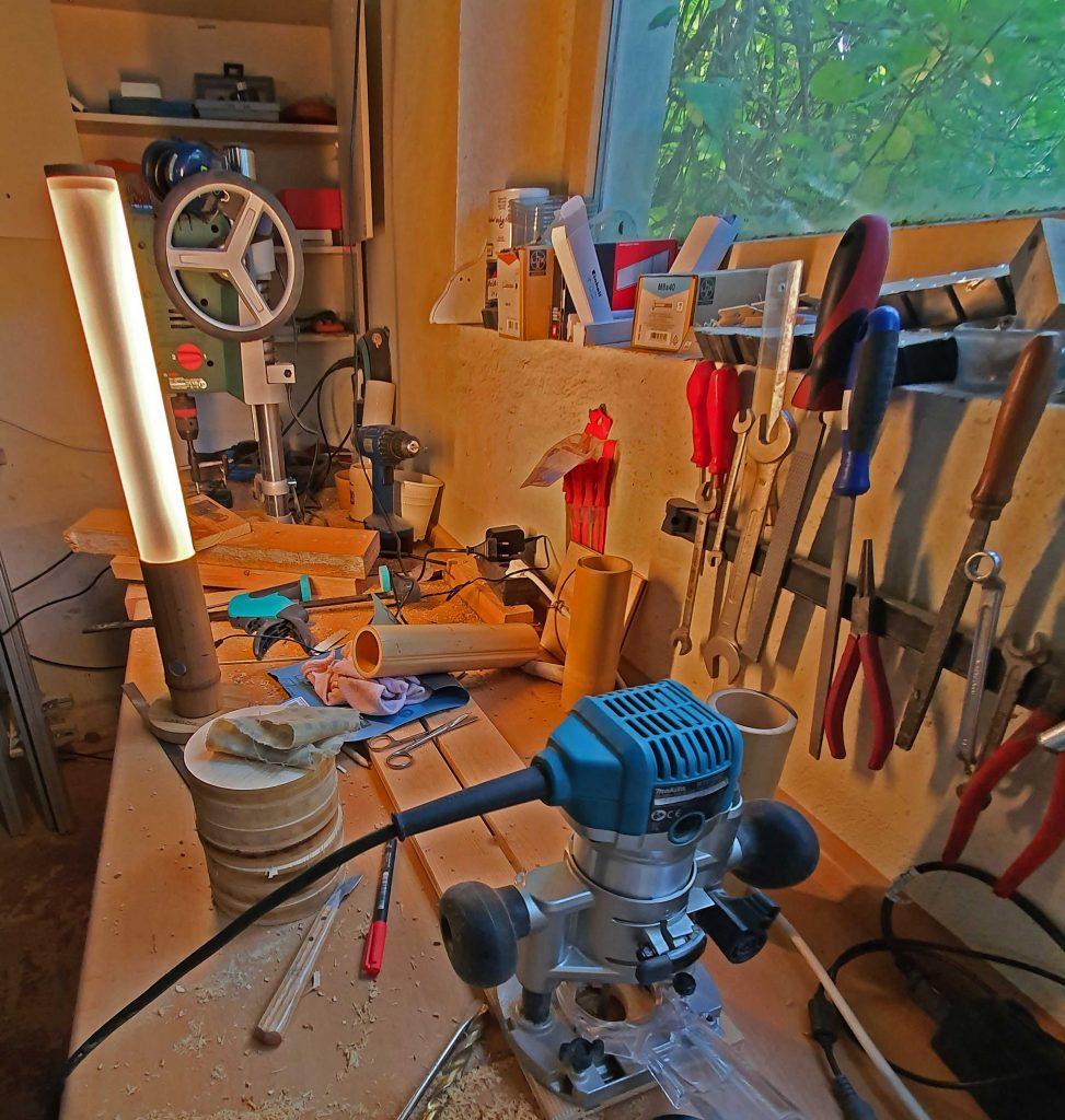 """Die kleine Variante """"trägt"""" Acryglaszylinder, Foto: Maike Steuer"""